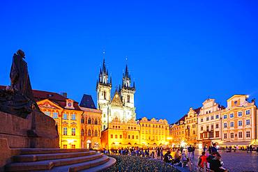 Old Town Square, Church of Our Lady Before Tyn, Prague, UNESCO World Heritage Site, Bohemia, Czech Republic, Europe