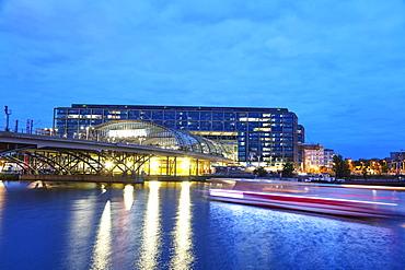 Berlin Central Station (Berlin Hauptbahnhof), Berlin, Brandenburg, Germany, Europe