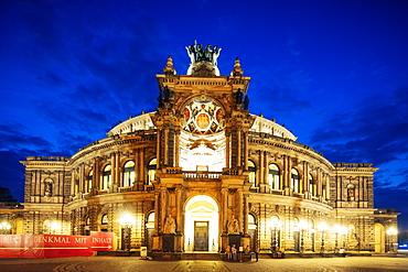 Opera House (Semperoper Dresden), Dresden, Saxony, Germany, Europe