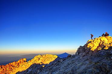 Pico del Teide, 3718m, the highest mountain in Spain, Teide National Park, UNESCO World Heritage Site, Tenerife, Canary Islands, Spain, Atlantic, Europe