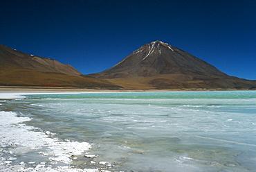 Licancabur volcano, Lago Verde, Salar de Uyuni, Bolivia, South America