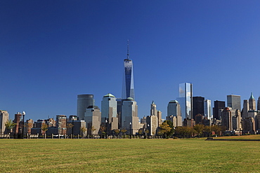 1 World Trade Centre Tower and New York's financial district as seen from Liberty State Park, New York, United States of America, North America
