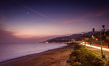 Sunset on Will Rogers Beach and the Pacific Coast Highway, Pacific Palisades, California, United States of America, North America