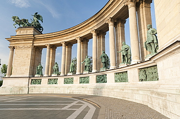 Statues of Hungarian historical leaders, Millennium Monument, Hosok Tere (Heroes Square), Budapest, Hungary, Europe