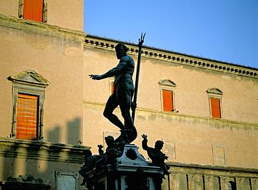 Statue of Neptune, Piazza Maggiore, Bologna, Emilia-Romagna, Italy, Europe