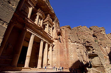 The Treasury (Al Khazneh), Petra, UNESCO World Heritage Site, Jordan, Middle East