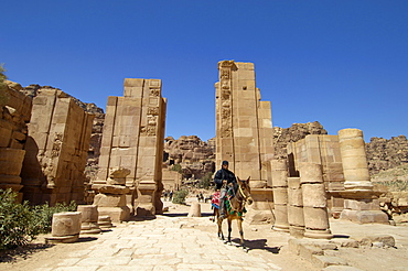 The Arched Gate, Petra, UNESCO World Heritage Site, Jordan, Middle East