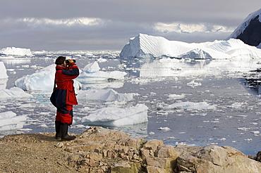 Chilean ornithologist Rodrigo Tapia, Neko Harbor, Gerlache Strait, Antarctic Peninsula, Antarctica, Polar Regions
