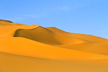Sand dunes, Erg Murzuq, Sahara desert, Fezzan, Libya, North Africa, Africa