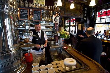 Brasserie de l'Isle Saint-Louis, Ile Saint-Louis, Paris, France, Europe