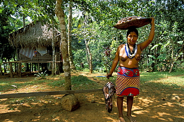 Embera Indian with fish, Soberania Forest National Park, Panama, Central America
