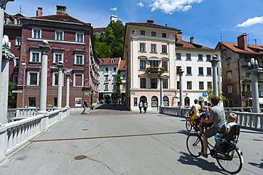 Triple Bridge over the Ljubljanica River, Ljubljana, Slovenia, Europe