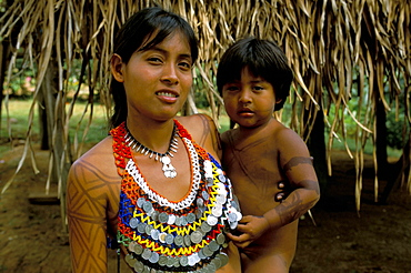 Embera woman and child, Soberania Forest National Park, Panama, Central America