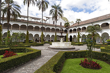 The Monastery of San Francisco, Ecuador's oldest church, founded in 1534, UNESCO World Heritage Site, Quito, Ecuador, South America