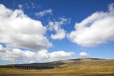 Ribblehead Viaduct, Ingleton, Yorkshire Dales National Park, Yorkshire, England, United Kingdom, Europe