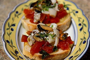 "Toasted bread seasoned with shellfish, ""Il Grembo"" Restaurant, Isola Del Giglio, Toscana, Tuscany, Italy"