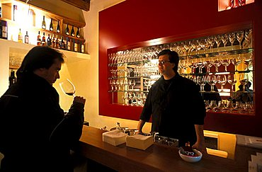 Ross & Bianch winebar, Milan, Lombardy, Italy.