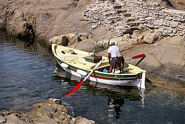 Fisherman, Campese, Isola del Giglio, Tuscany, Italy