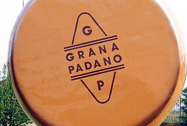 Grana Padano, Italy
