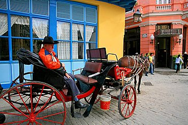 Carriage, Ambos Mundos hotel, Havana, Cuba, West Indies, Central America