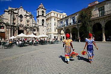 Cathedral Square, Havana, Cuba, West Indies, Central America