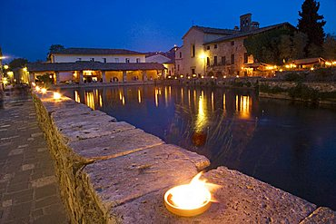 Main square with themal pool, Bagno Vignoni, Tuscany, Italy, Europe