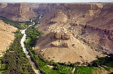 Village view, Al Ghayl, Wadi Amd, Yemen, Middle East