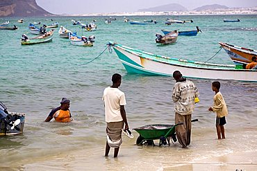 Fishermen in african harbour, Bir Ali, Yemen, Middle East