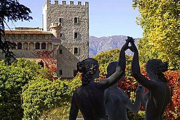 Emiciclo della bellezza statues,  park of Villa d'Ayala, river Sele valley, Salerno, Campania, Italy, Europe