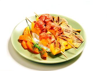 Spiedini scampi e ananas, pineapple and prawn skewer, Italy, Europe