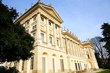 Façade, Modern Art Museum, Villa Reale, Galleria d'Arte Moderna, Via Palestro 16, Milan, Lombardy, Italy, Europe
