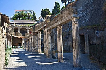 The ruins of Herculaneum, a large Roman town destroyed in 79AD by a volcanic eruption from Mount Vesuvius, UNESCO World Heritage Site, Ercolano, Naples, Campania, Italy, Europe