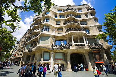 La Pedrera (Casa Milà) of Antoni Gaudì, Passeig de Gràcia, Barcelona, Spain, Europe