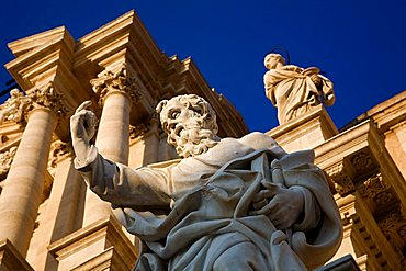 Statue, Cathedral, Cathedral square, Siracusa, Sicily