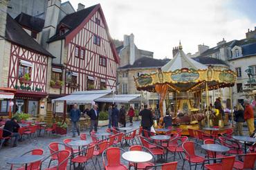 Place Francois Rude Bareuzai, Dijon, Bourgogne (Burgundy), France, Europe