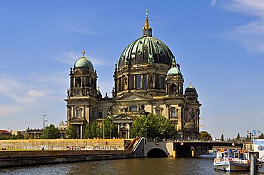 Berlin Cathedral and Spree river, Mitte quarter, Berlin, Germany, Europe