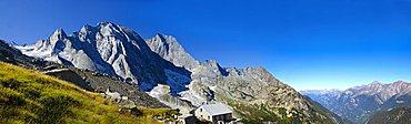 Sciora hut, Piz Cengalo and Piz Badile from Val Bondasca, Pizzi Gemelli, Canton of Graubvºnden or Grisons, Switzerland