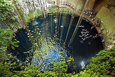 Cenote Ik-Kil, Ik Kil, Merida, Yucatan, Mexico, America