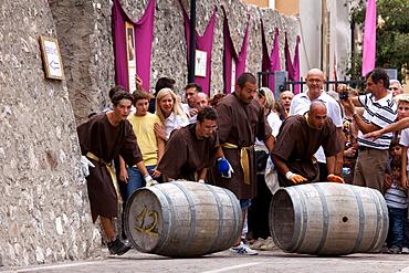 Grabs the barrel game, Uva e dintorni festival, Avio, Vallagarina, Trentino Alto Adige, Italy, Europe