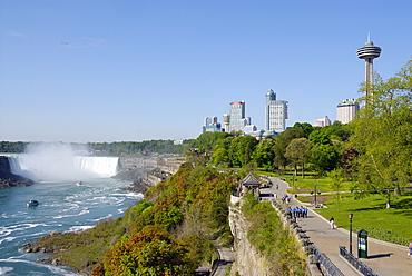 Horseshoe Falls viewed from Queen Victoria Park, Niagara Falls, Ontario, Canada, North America