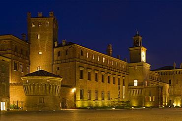 piazza dei martiri, castello dei pio, carpi, italy