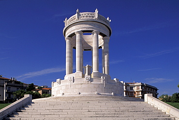 Monumento ai Caduti, Passetto, Marche, Italy
