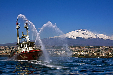 Catania harbour, Etna volcano in the background, Sicily, Italy, Europe