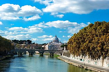 San Peters Vatican, Tevere river, bridge, Ponte degli Angeli, Rome, Lazio, Italy, Europe