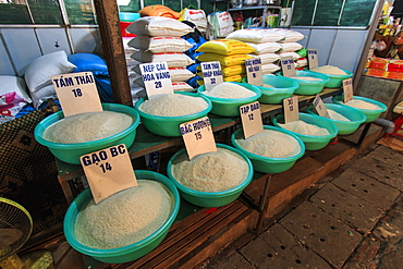 Different varieties of rice for sale on a local market, Hanoi, Vietnam, Indochina, Southeast Asia, Asia