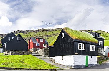 Village Haldarsvik am Sundini, Eysturoy in the background, North Atlantic,  Europe, Northern Europe, Denmark, Faroe Islands