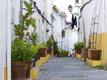 Lanes of the moorish old town. Elvas in the Alentejo close to the spanish border. Elvas is listed as UNESCO world heritage. Europe, Southern Europe, Portugal, March