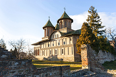 The church Domenica biserica of the princely court in Targoviste. The princely court (curtea palace) was the first residence of Vlad Tepes aka Dracula. europe, eastern europe, romania, carpathian mountains, january