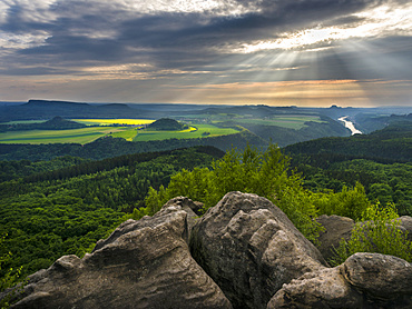 Elbe Sandstone Mountains (Elbsandsteingebirge) in the NP  Saxon Switzerland (Saechsische Schweiz) during spring. Kipphorn viewpoint and the valley of river Elbe. Europe, Central Europe, Germany, Saxony, May