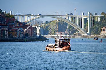 Bridge Ponte de Arrabida, City Porto (Oporto) at Rio Douro. The old town is listed as UNESCO world heritage. Portugal, Europe
